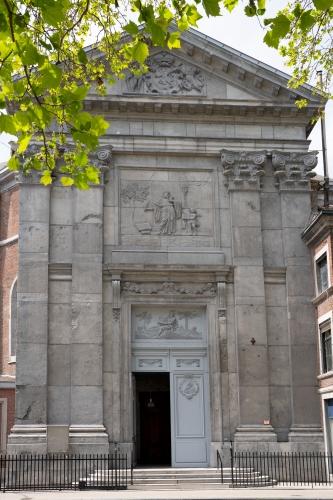photo-facade-eglise-st-sacrement-2.jpg
